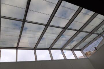 lucernario con vidrio fotovoltaico